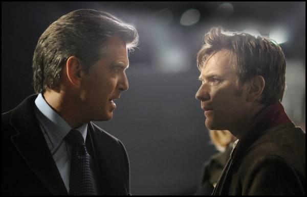 Pierce Brosnan (Adam Lang) en Ewan McGregor (The Ghost)