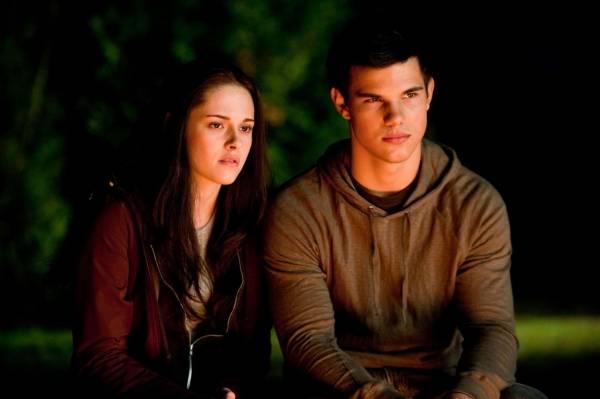 Taylor Lautner (Jacob Black) en Kristen Stewart (Bella Swan)