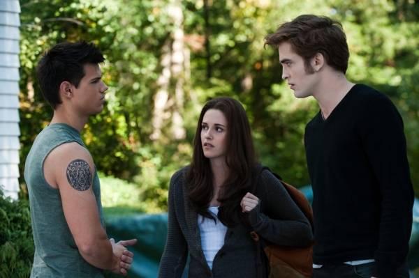 Taylor Lautner (Jacob Black), Robert Pattinson (Edward Cullen) en Kristen Stewart (Bella Swan)