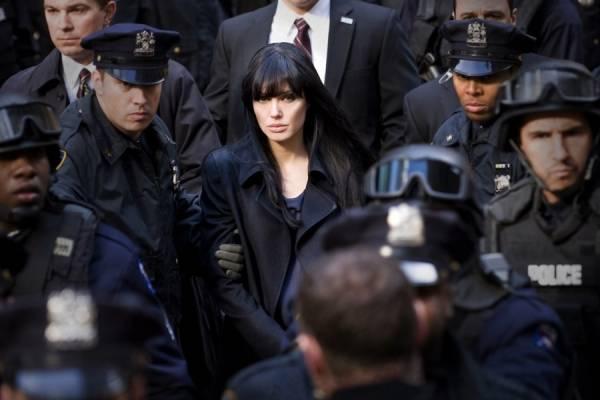 Angelina Jolie (Evelyn Salt)
