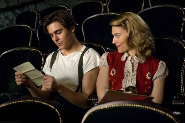 Claire Danes (Sonja Jones) en Zac Efron (Richard Samuels (Lucius))
