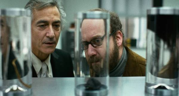 Paul Giamatti (Paul) en David Strathairn (Dr. Flintstein)