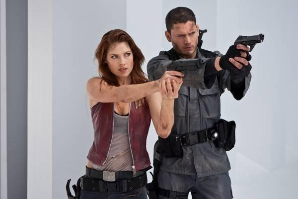 Ali Larter (Claire Redfield) en Wentworth Miller (Chris Redfield)