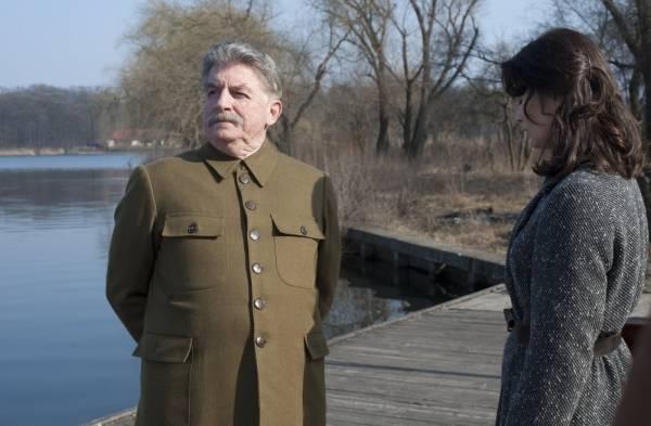 André Dussollier (Joseph Staline) in Une exécution ordinaire