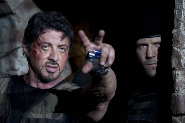 Sylvester Stallone (Barney 'The Schizo' Ross) en Jason Statham (Lee Christmas)