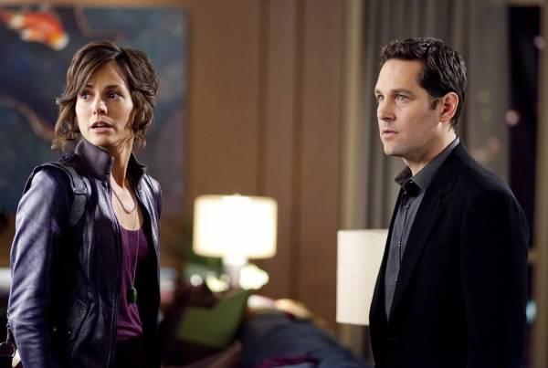 Paul Rudd (Tim Wagner) en Stephanie Szostak (Julie)