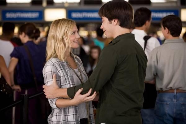 Drew Barrymore (Erin) en Justin Long (I) (Garrett)
