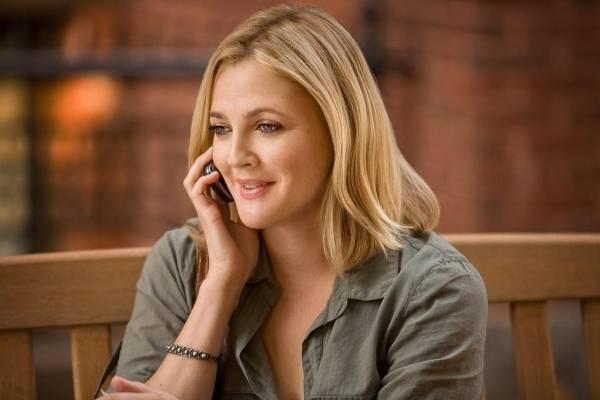 Drew Barrymore (Erin)