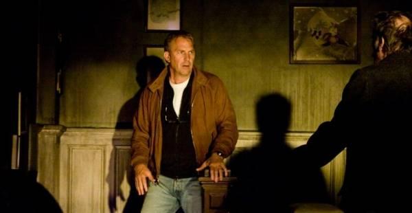 Kevin Costner (John James)