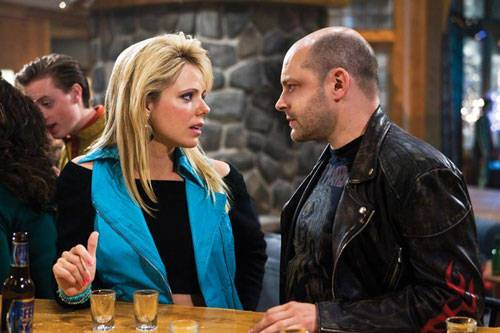 Rob Corddry (Lou) en Collette Wolfe (Kelly) in Hot Tub Time Machine