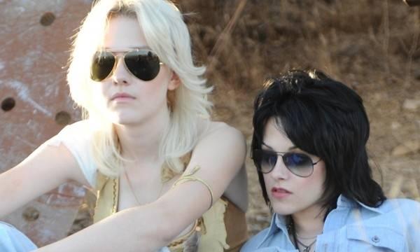 Dakota Fanning (Cherie Currie) en Kristen Stewart (Joan Jett)