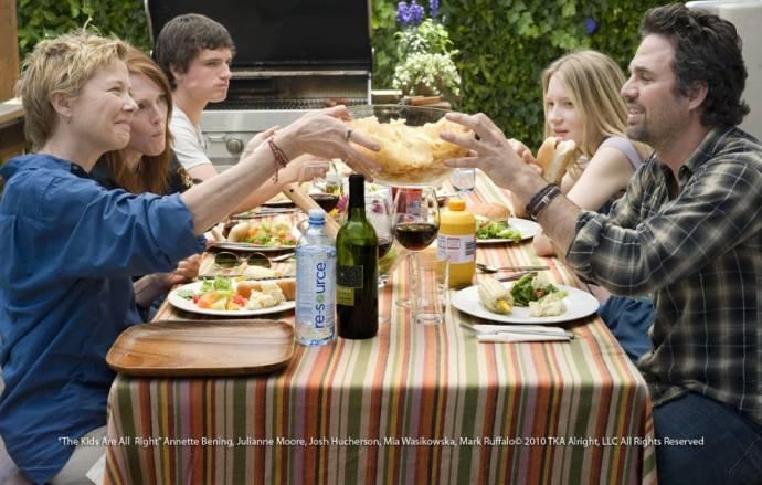 Annette Bening (Nic), Josh Hutcherson (Laser), Julianne Moore (Jules), Mark Ruffalo (Paul) en Mia Wasikowska (Joni)