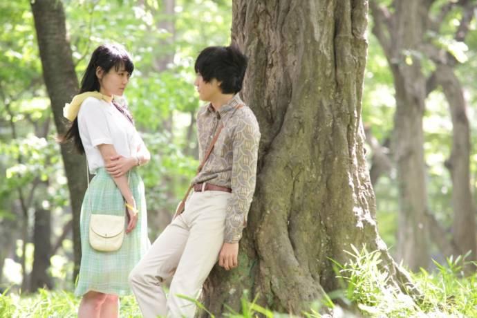 Rinko Kikuchi (Naoko) en Ken'ichi Matsuyama (Toru Watanabe)