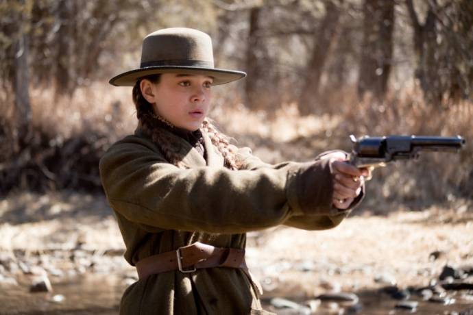 Hailee Steinfeld (Mattie Ross)