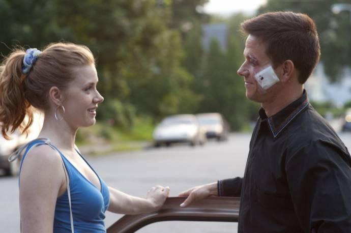 Amy Adams (Charlene Fleming) en Mark Wahlberg (Mickey Ward)