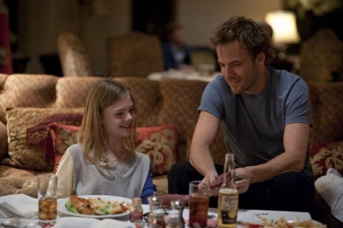 Stephen Dorff (Johnny Marco) en Elle Fanning (Cleo)