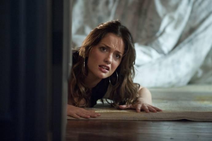 Minka Kelly (Sara Matthews)