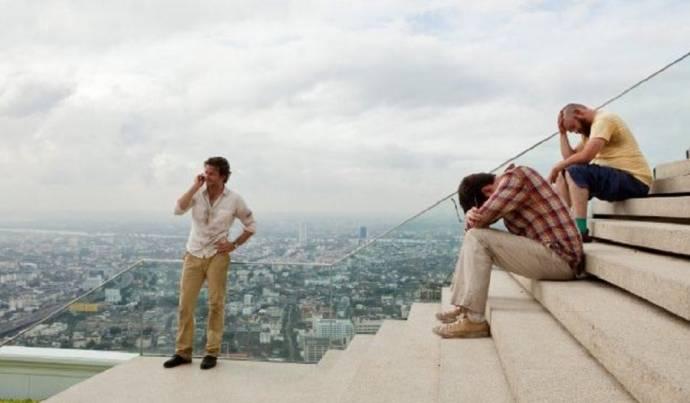 Bradley Cooper (Phil Wenneck), Ed Helms (Stu Price) en Zach Galifianakis (Alan Garner)