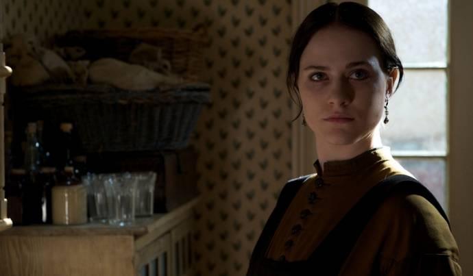 Alexis Bledel (Sarah Weston)
