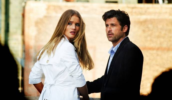 Rosie Huntington-Whiteley (Carly) en Patrick Dempsey (Dylan)