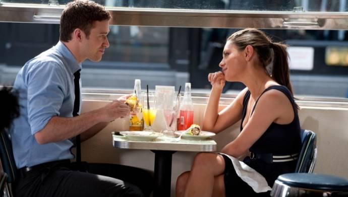 Justin Timberlake (Dylan) en Mila Kunis (Jamie)