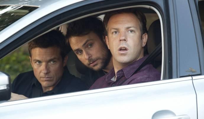 Jason Bateman (Nick Hendricks), Charlie Day (Dale Arbus) en Jason Sudeikis (Kurt Buckman)