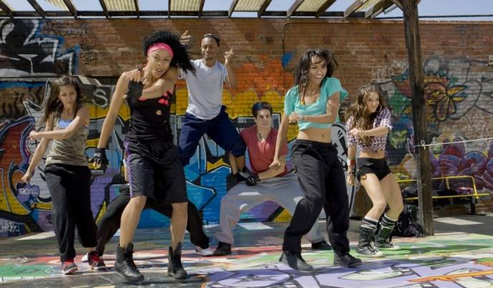 Seychelle Gabriel (Tina), Laurieann Gibson, Tyler Nelson (Darnell), Casper Smart (Ricky), Katerina Graham (Maria Ramirez) en Melissa Molinaro (Carla)