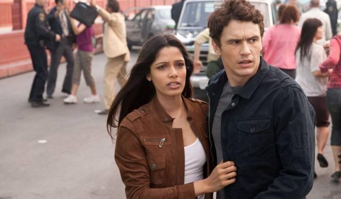 Freida Pinto (Caroline) en James Franco (Will Rodman)