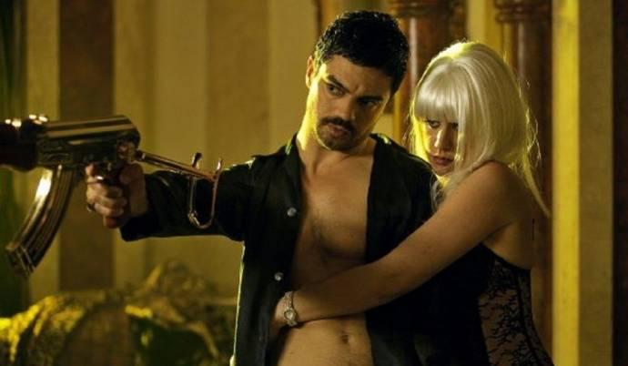 Dominic Cooper (Latif Yahia / Uday Hussein) en Ludivine Sagnier (Sarrab)