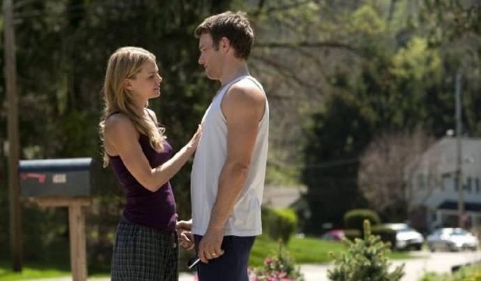 Jennifer Morrison (Tess Conlon) en Joel Edgerton (Brendan Conlon)