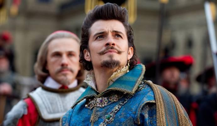 Christoph Waltz (Cardinal Richelieu) en Orlando Bloom (Duke of Buckingham)