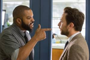 Fist Fight: Ice Cube (Strickland) en Charlie Day (Campbell)