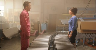 Ryan Reynolds en Gemma Arterton in The Voices