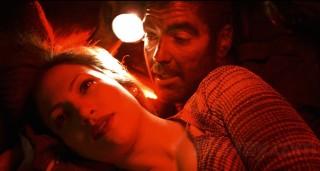 Jennifer Lopez en George Clooney in Out of Sight