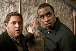 Get Him to the Greek: Sean 'P. Diddy' Combs (Sergio Roma) en Jonah Hill (Aaron Green)