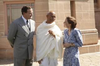 Hugh Bonneville, Neeraj Kabi en Gillian Anderson in Viceroy's House