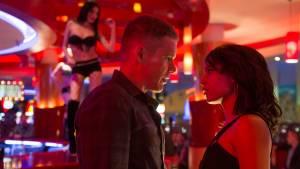 Good Kill: Ethan Hawke (Tom Egan) en Zoe Kravitz (Vera Suarez)