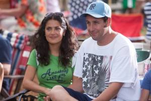 Grown Ups: Salma Hayek (Roxanne Chase-Feder) en Adam Sandler (Lenny Feder)