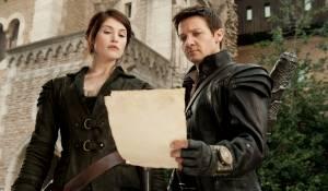 Hansel and Gretel: Witch Hunters: Gemma Arterton (Gretel) en Jeremy Renner (Hansel)