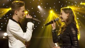 Hart Beat: Rein van Duivenboden (Mik) en Vajèn van den Bosch (Zoë)