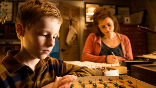 Kyle Allatt en Helena Bonham Carter in The Young and Prodigious T.S. Spivet
