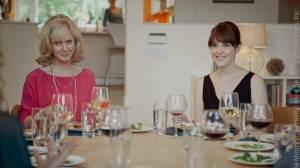 Hello I Must Be Going: Blythe Danner (Ruth) en Melanie Lynskey (Amy)