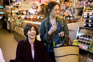Hilary Swank en Emmy Rossum in You're Not You