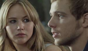 House at the End of the Street: Jennifer Lawrence (Elissa) en Max Thieriot (Ryan)