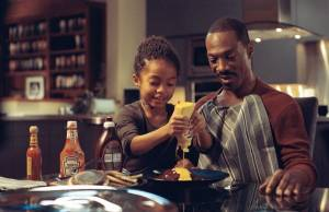 Imagine That: Eddie Murphy (Evan) en Yara Shahidi (Olivia)