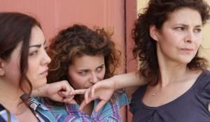 Celeste Casciaro (Adele), Barbara De Matteis (Maria Concetta) en Laura Licchetta (Ina)