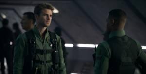 Liam Hemsworth (Jake Morrison) en Jessie Usher (Dylan Hiller)