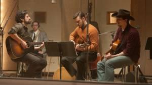 Inside Llewyn Davis: Oscar Isaac (Llewyn Davis), Justin Timberlake (Jim Berkey) en Adam Driver (Al Cody)