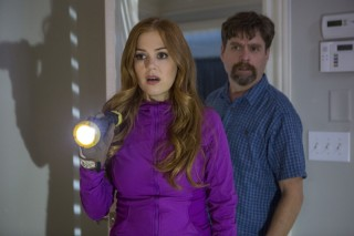 Isla Fisher en Zach Galifianakis in Keeping Up with the Joneses