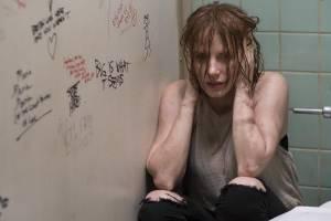Jessica Chastain (Beverly Marsh)